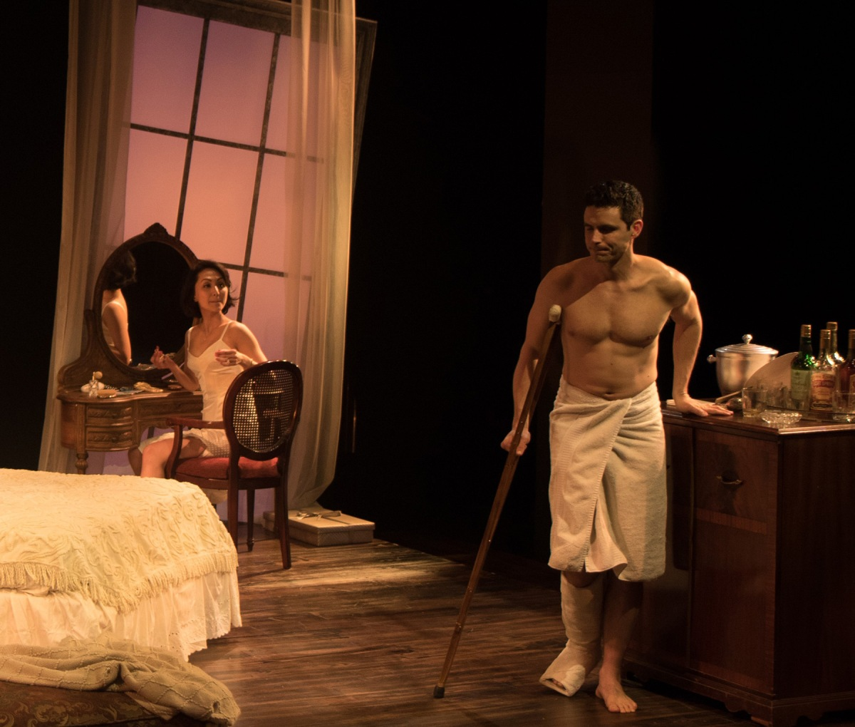 Theater Review Antaeus Theatre Company S Cat On A Hot Tin
