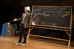 04_0164_John_Leguizamo_in_LATIN_HISTORY_FOR_MORONS_Photo_by_Matthew_Murphy_2017
