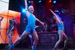 Franz (Frankie Grande) and Regina (Stephanie Wall) sing in Rock of Ages Hollywood